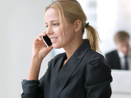Advantages & Disadvantages of Personal Phones in the Workplace